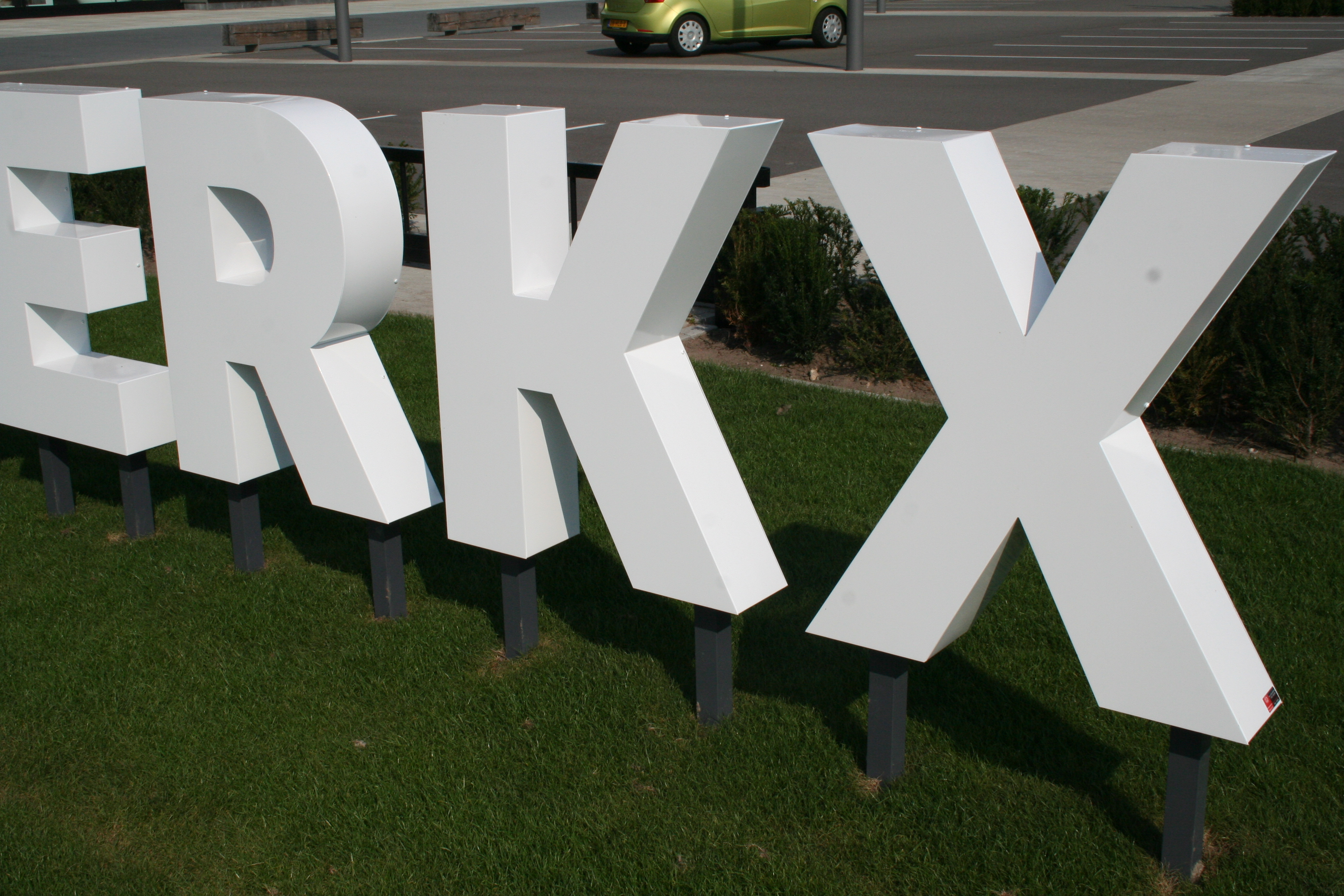 Piet Klerkx Website : Outstore piet klerkx waalwijk c w groep